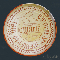 reconstruction of a Dutch raised dish with the inscription O MARIA O MATER DEY MEMENTO MEI / 1475-1550